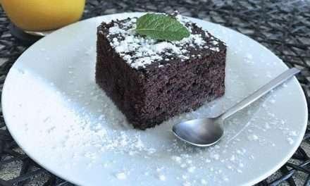 Bizcocho de kéfir con cacao al microondas