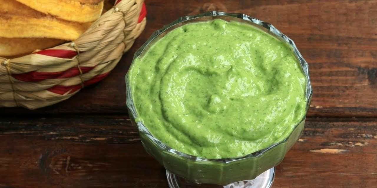 Salsa verde de kéfir para untar