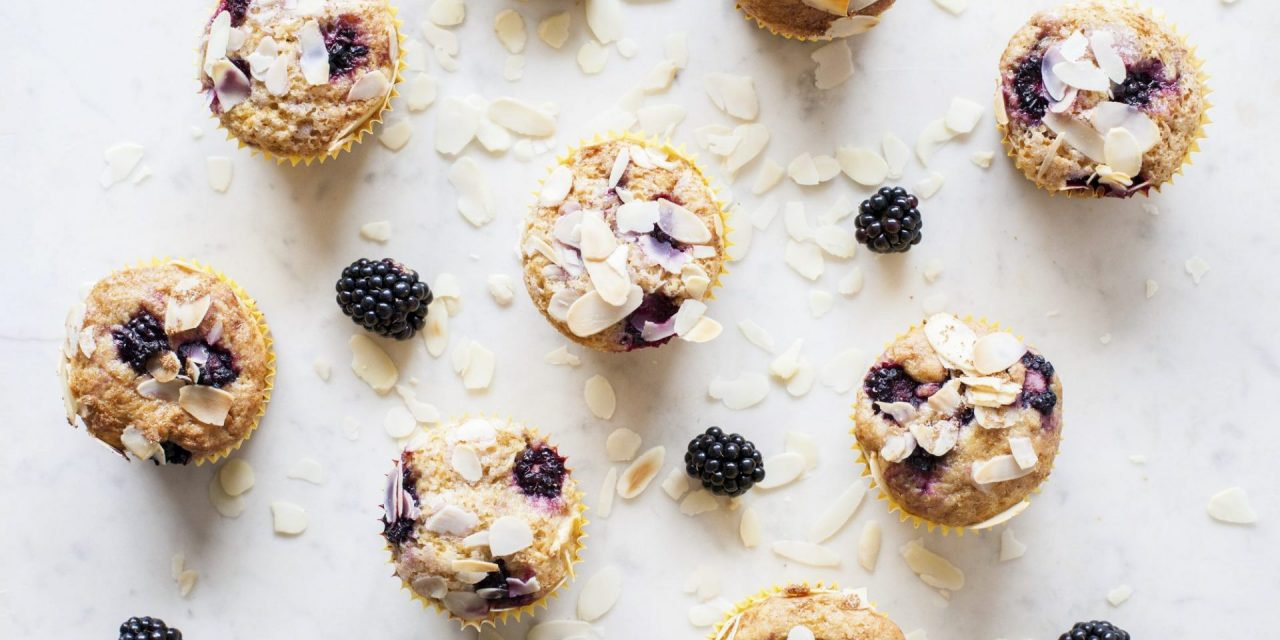 Muffins Ecológicos de Moras y Kéfir