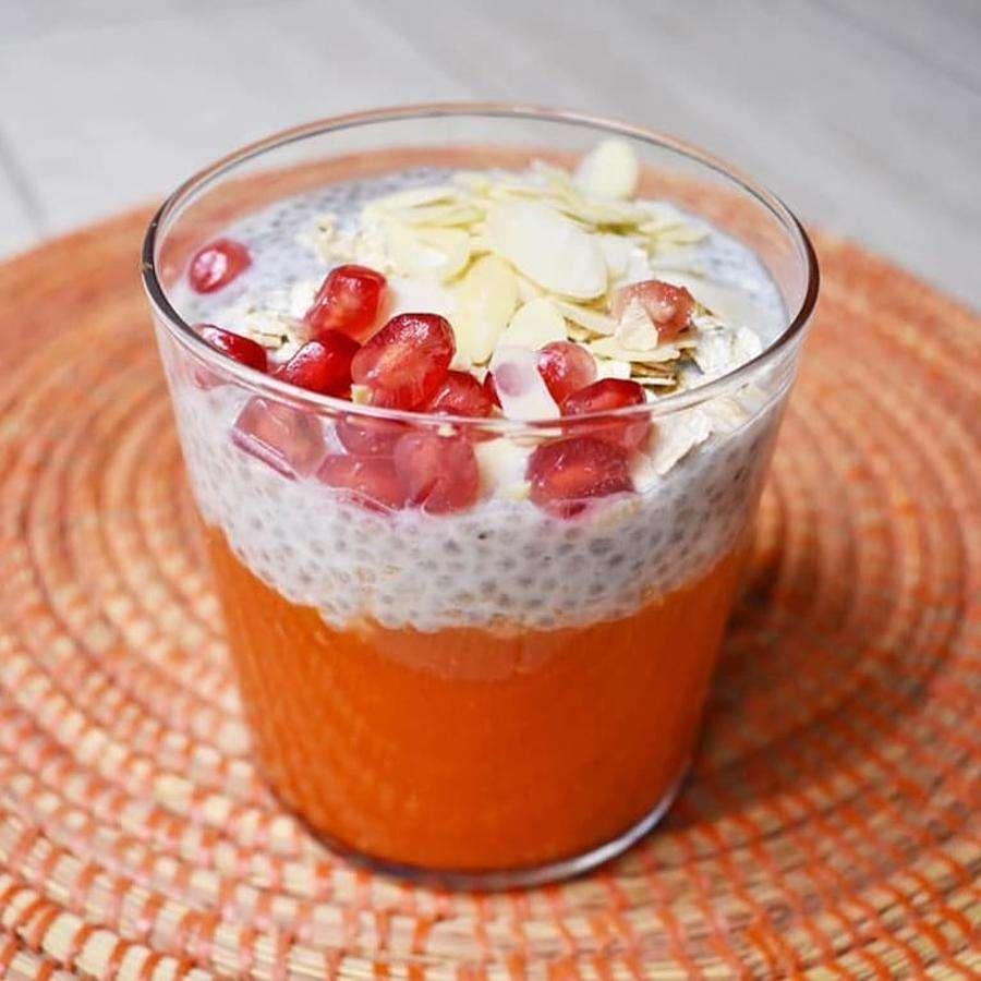 Pudding de Kéfir, papaya, caqui y bebida de arroz