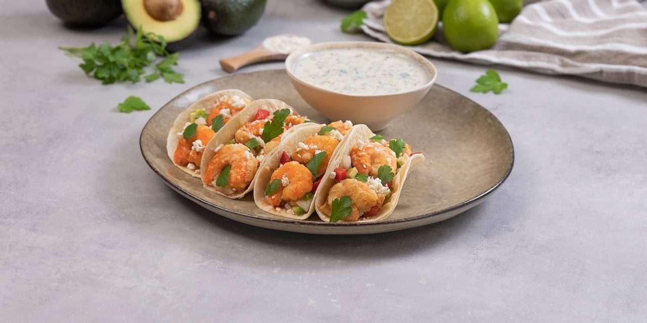 Tacos de langostinos con salsa de kéfir