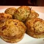 Muffins salados de brócoli, pavo, queso y kéfir