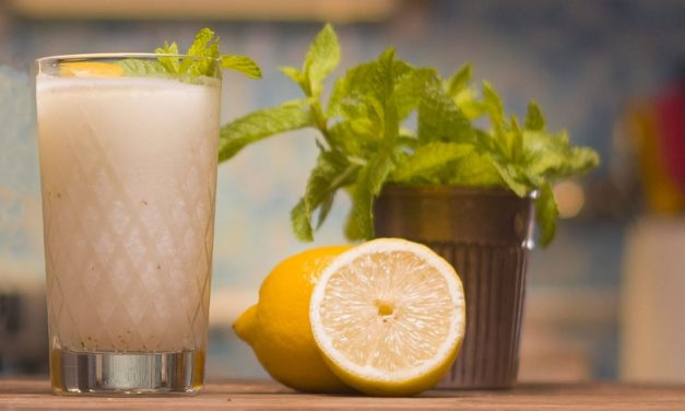 Mocktail con Kéfir, menta y limón