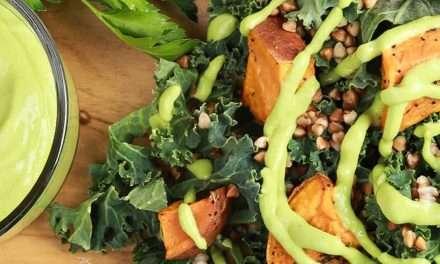 Salsa verde de kéfir y aguacate